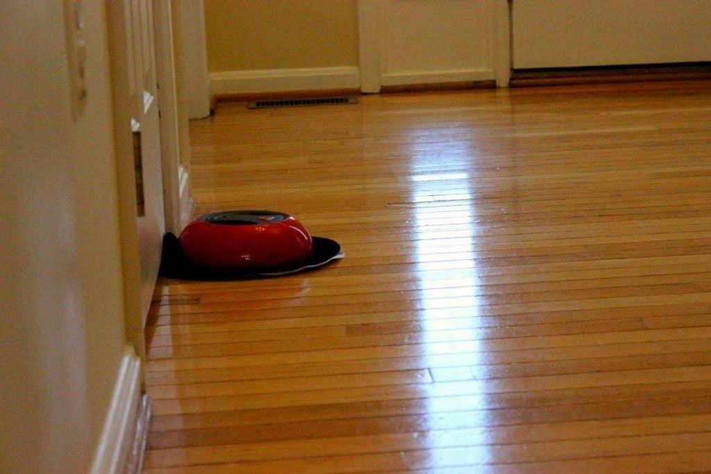 ODuster cleaning  hardwood floors