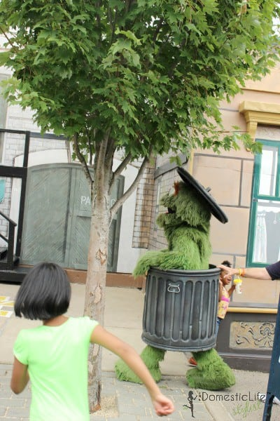 oscar the grouch with kids