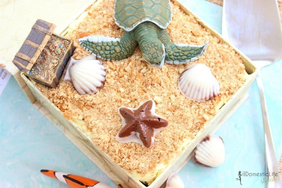 beach cake with sea turtle 600x900