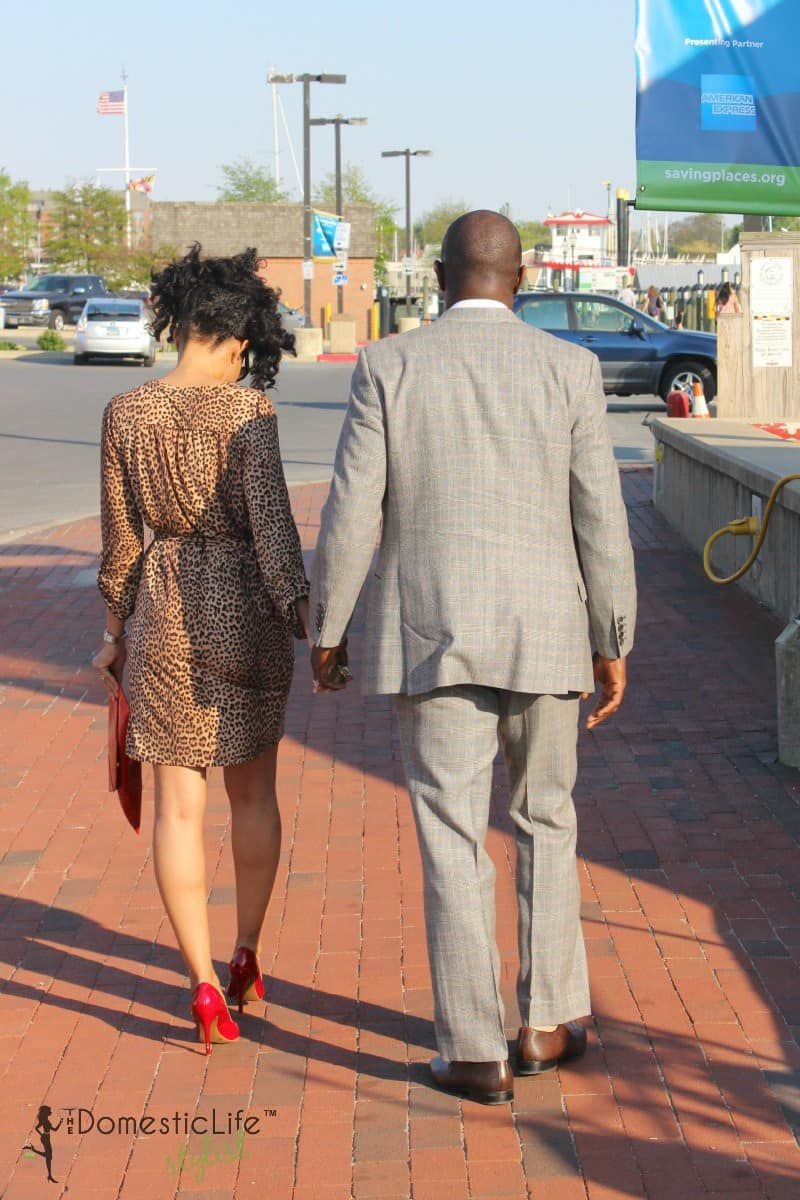 couple on date walking