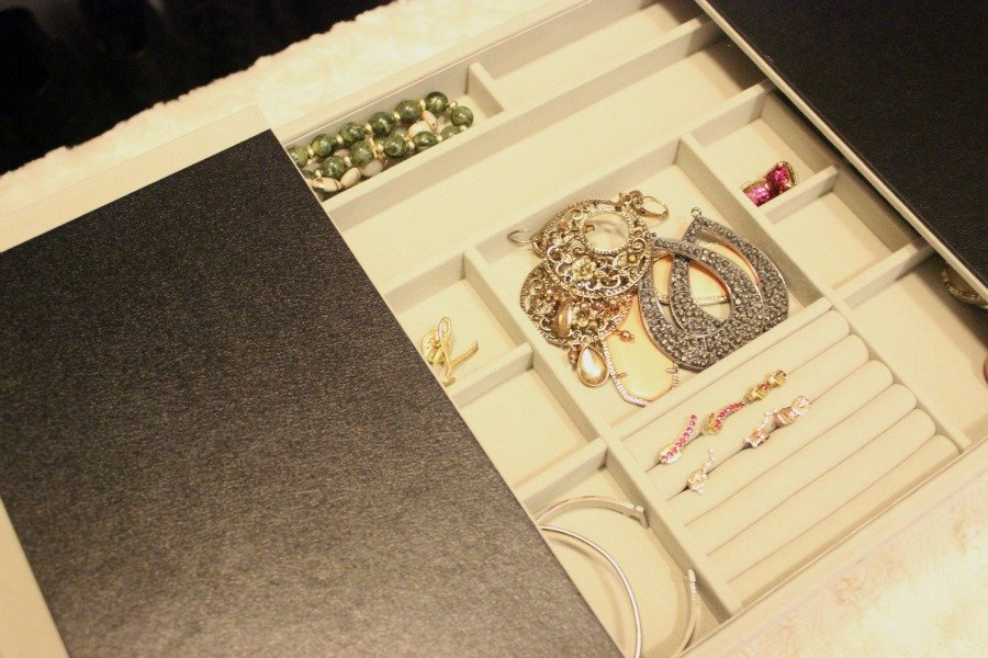 organize jewlery 900x600