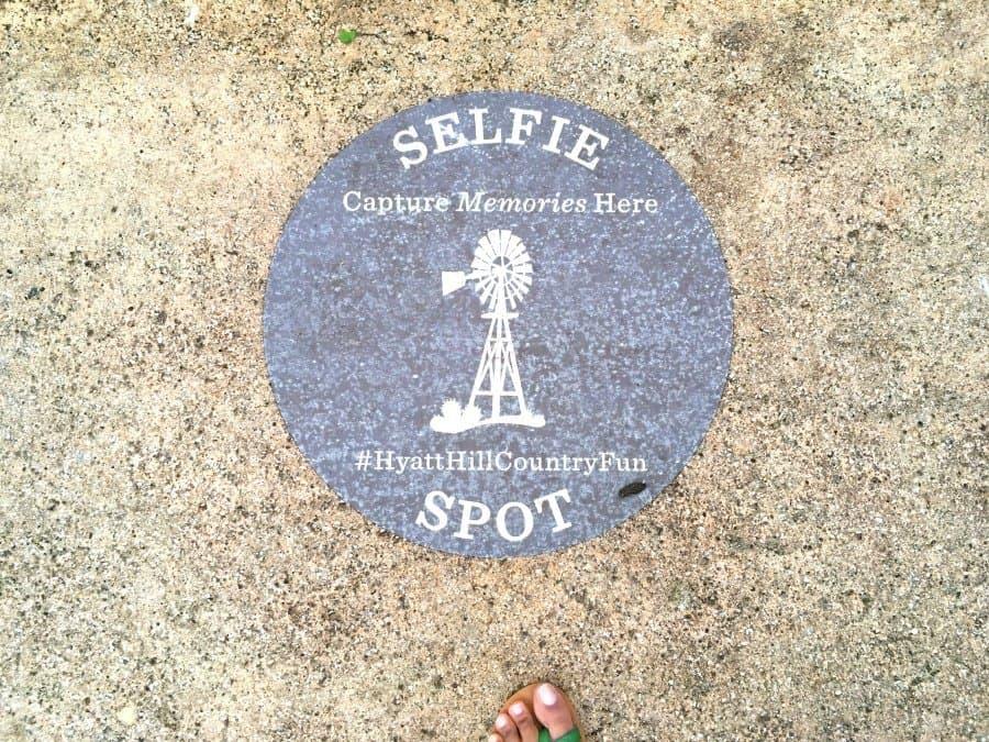 selfie hyatt hill country