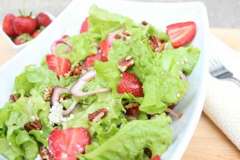 strawberry salad with honey balsamic vinaigrette