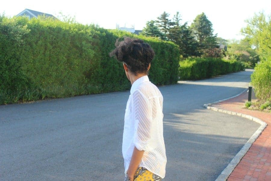 yellow shorts summer white shirt4