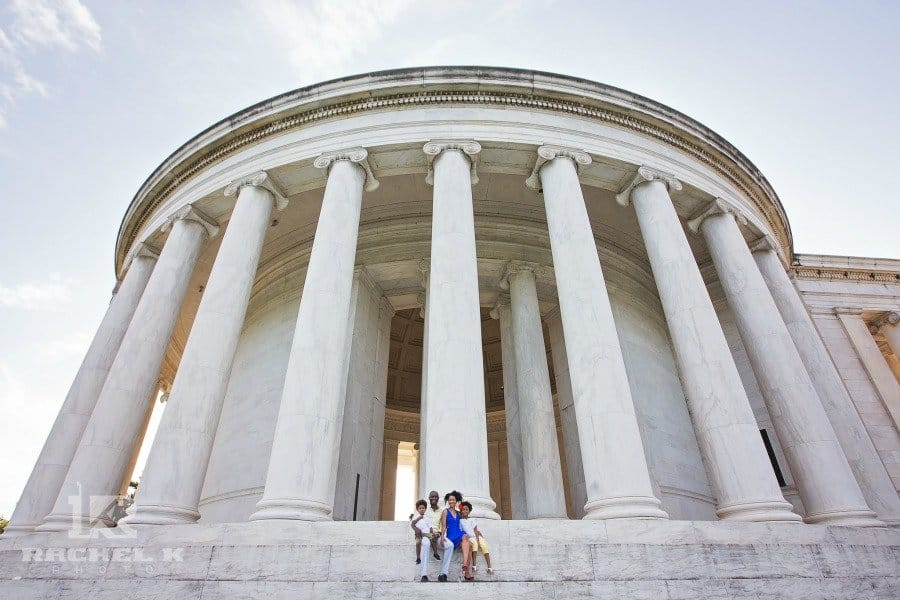 family photos at lincoln memorial