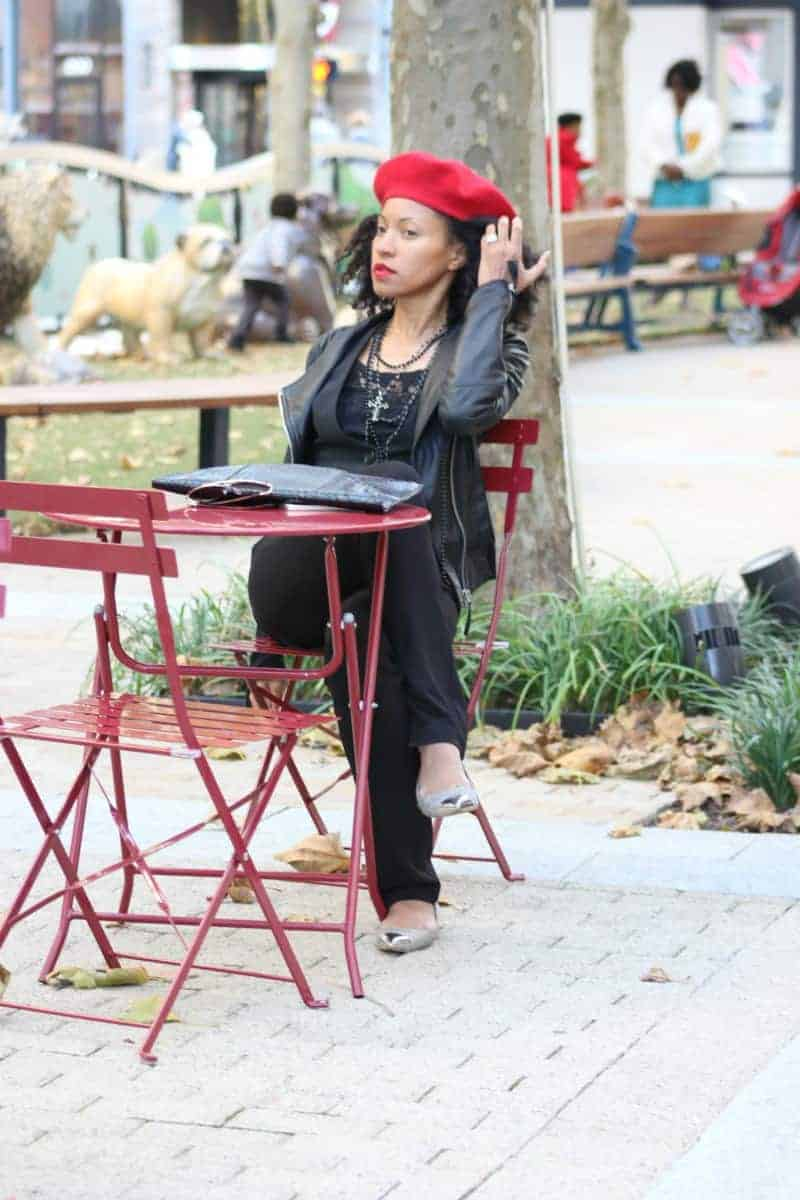 red-and-black-fall-street-style-red-beret-black-leather-jacket