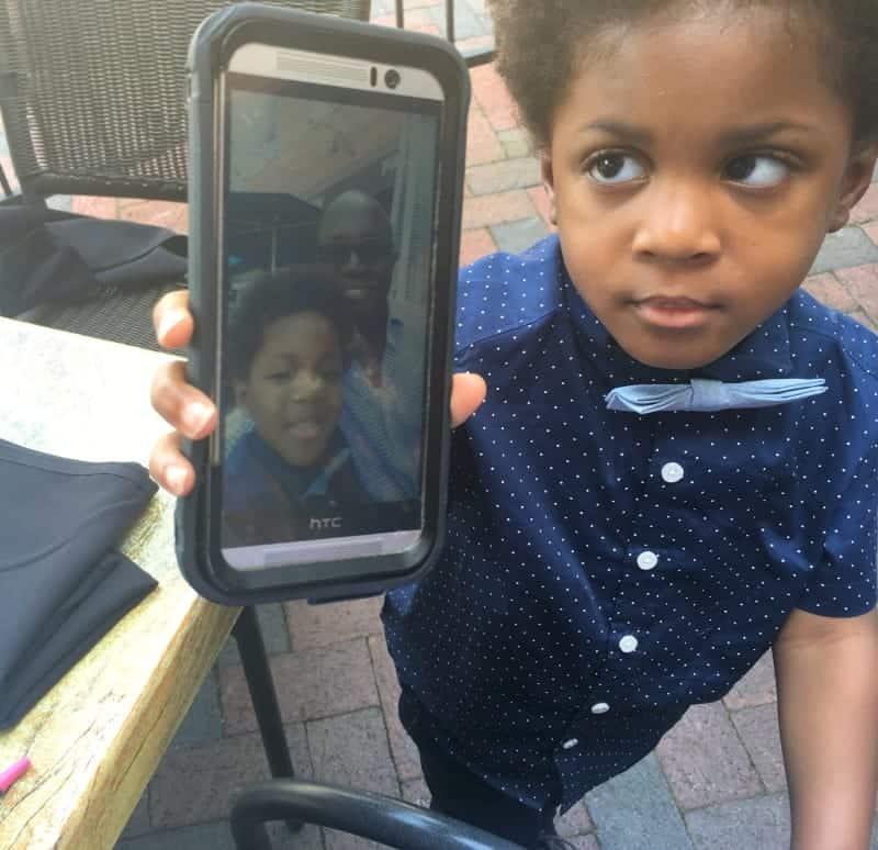 father-son-activities-phone-selfie.jpg